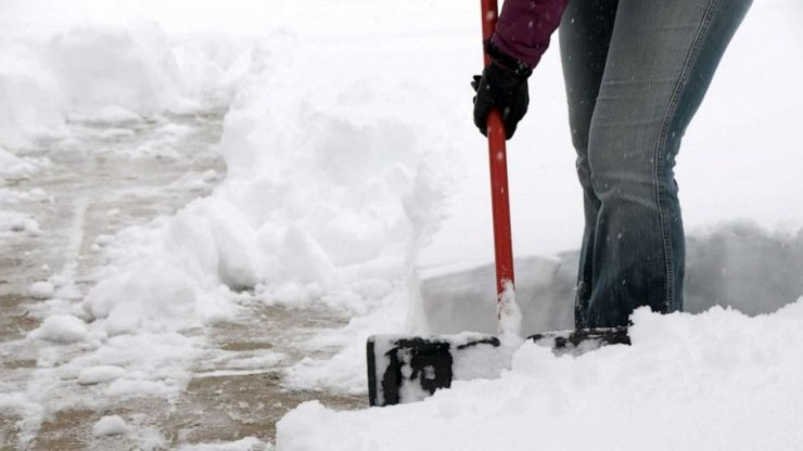 PHOTO: A person shovels snow. (STOCK PHOTO/Getty Images)